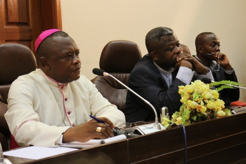 Révision de la Constitution en RDC: l'Eglise catholique explique son opposition