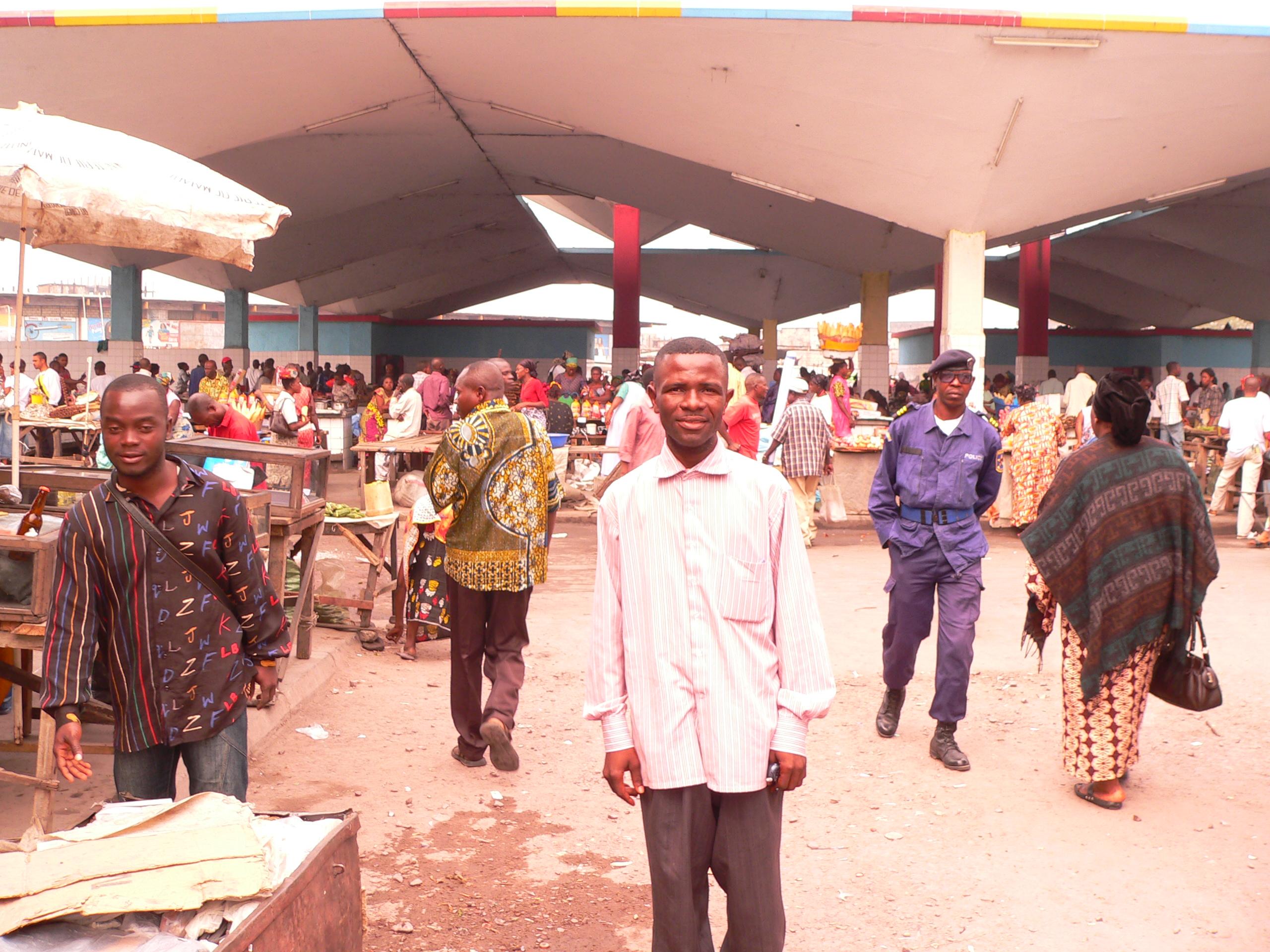 RDC: les commerces indiens sous protection policière à Kinshasa