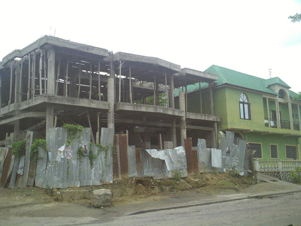 RDC: des experts en construction recommandent la création d'une banque pour l'habitat