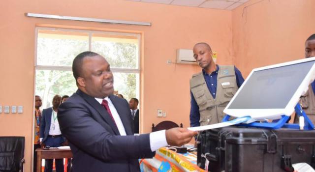 RDC-Machine à voter: les agents et membres de la CENI partagent les préoccupations de l'opposition