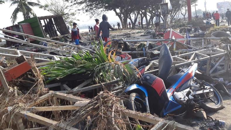 Indonésie: au moins 384 morts après un fort séisme et un tsunami