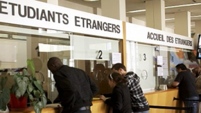Universités en France: les étudiants étrangers paieront leurs études très chères