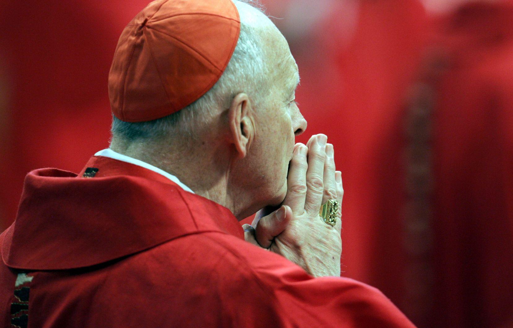 Vatican: le pape François défroque l'ex-cardinal américain Theodore McCarrick accusé d'abus sexuels