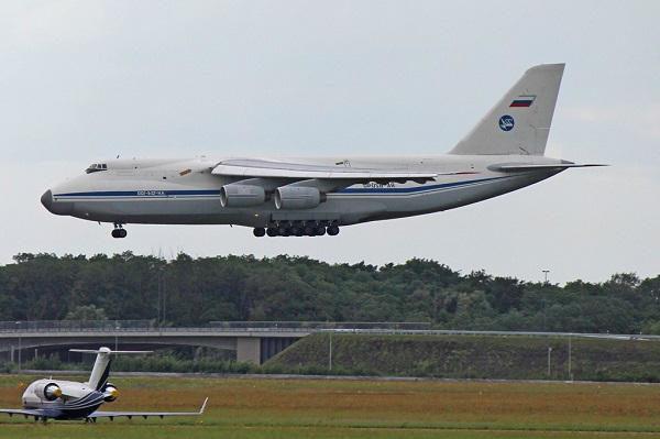 La Russie envoie une centaine de militaires et 35 tonnes de matériel au Venezuela