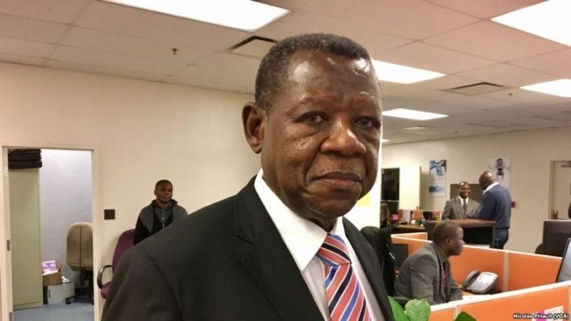 RDC: Lambert Mende dépose plainte dans une affaire de «faux diamant» contre le ministre de l'Intérieur