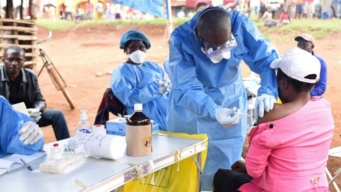 Ebola en RD Congo: le cap de 2000 morts franchi