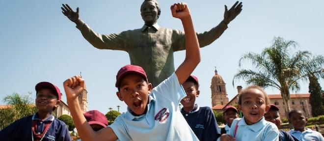 L'Afrique du Sud rend hommage à Mandela, un an après sa mort