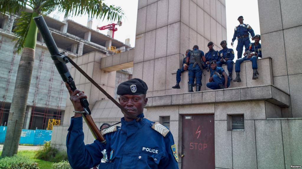 Evasion à la prison de Makala: des journalistes TV5 violemment agressés par la police à Kinshasa