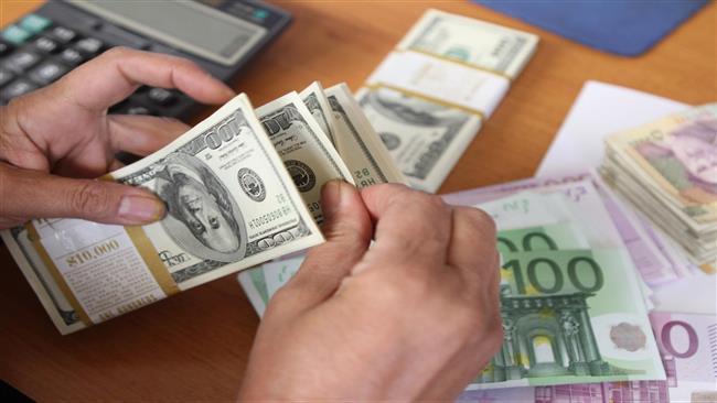 Washington interdit les transactions en dollars entre l'Europe et la RDC