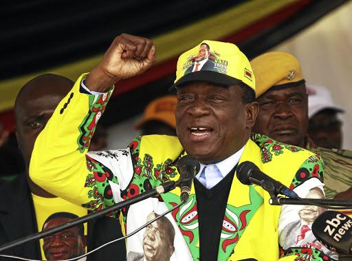 Zimbabwe: Emmerson Mnangagwa élu président au premier tour, l'opposition rejette les résultats