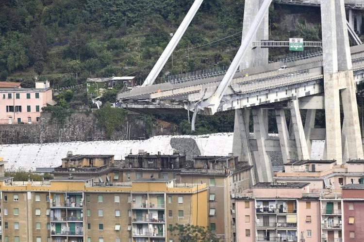 Italie: au moins 38 morts dans l'effondrement d'un pont autoroutier à Gênes