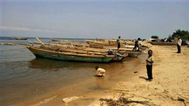 RD Congo: le lac Tanganyika transformé en poubelle à Uvira, un danger pour la population