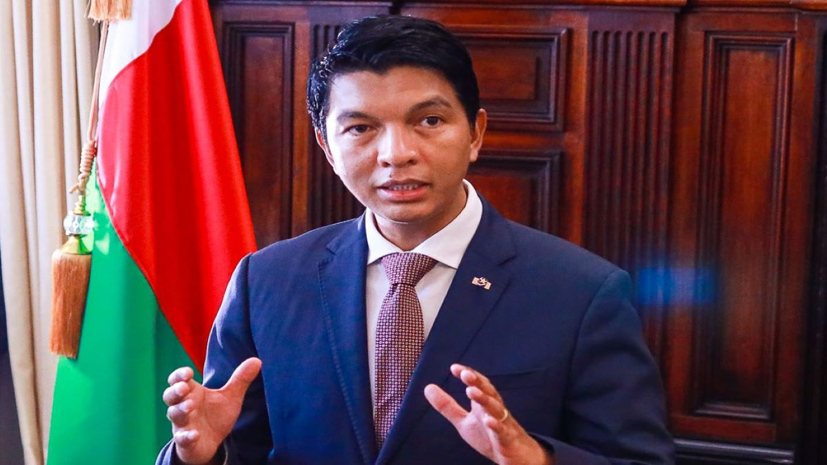 Coronavirus: le président malgache Andry Rajoelina annonce la découverte d'un remède traditionnel contre le Covid-19