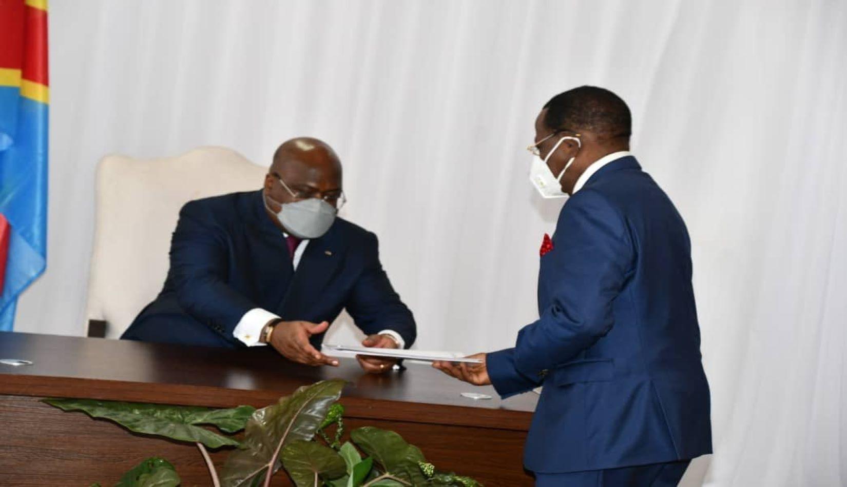 RDC: l'informateur Modeste Bahati remet son rapport à Félix Tshisekedi assurant une large majorité pour l'Union sacrée
